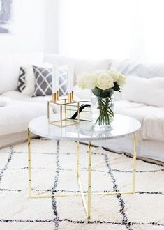 Coffee Table marble-table-inspiration-buy-diy Buying Newborn Clothing That Is Cute But Also Comforta Coffee Table Styling, Cool Coffee Tables, Decorating Coffee Tables, Coffee Table Design, Coffee Table Gold Legs, Gold Glass Coffee Table, White Round Coffee Table, Marble Top Coffee Table, Gold Table