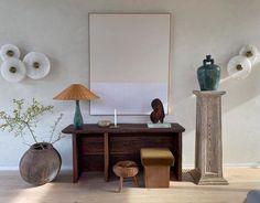 Green Lamp, Low Stool, Home Decor Kitchen, Interior Design Inspiration, Design Ideas, Cheap Home Decor, Home Decor Accessories, Side Chairs, Vignettes