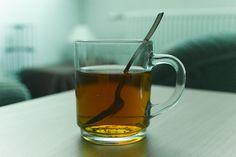 Nieuw onderzoek toont aan dat het drinken van thee de kans op een hartstilstand verkleind! Zet die waterkoker maar vast aan!