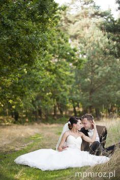 newlyweds weddingphotos bride and groom