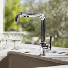 "Purist Single-Hole Kitchen Sink Faucet with 8"" Pullout Spout with ProMotion™"
