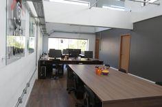 CASA DE CRIAÇÃO -Construção da edificação para abrigar agência com estúdio de gravação, salas de edição e administração. Área: 300m².