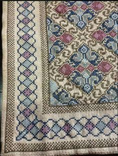 This Pin was discovered by Νίκ Cross Stitch House, Cross Stitch Borders, Cross Stitch Charts, Cross Stitching, Crewel Embroidery, Cross Stitch Embroidery, Embroidery Patterns, Cross Stitch Freebies, Palestinian Embroidery