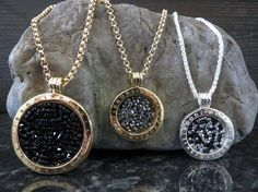 Rojers Jewellery has a stunning collection of Nikki Lissoni Rock Crystal Coins! New Jewellery Design, Textiles, Jewelry Collection, Jewelry Watches, Bling, Pendants, Pendant Necklace, Jewels, Rock