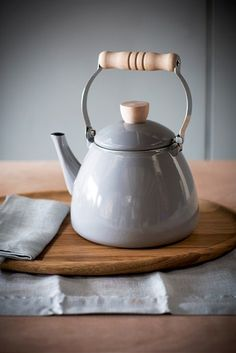 Who can resist our fantastic Enamel Stove Top Kettle in this stunning shape and Flint colour way.  With its wooden handle and traditional design, it's the perfect country or town kitchen accessory and is suitable for gas hobs as well as any farmhouse Aga or range cooker!