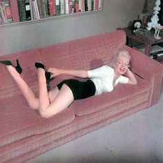 Marilyn is never not perfect. Even when hopped up on painkillers.
