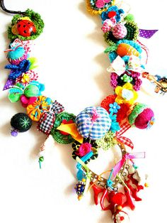 "Very colorful necklace.  Picture from Gata Valquiria""s photostream."