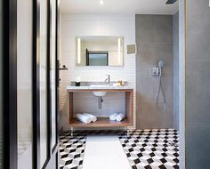 Material: Marble Carrara board with hidro plywood shelf Designed: Ranaud Balandras Manufacture: Sm.Com Location: Hotel Opera Kapital - Paris Furniture Manufacturers, Furniture Design, Wash Basin, Luxury Furniture Design, Furniture, Plywood Shelves, Shelf Design, Bathroom Mirror, Bathroom