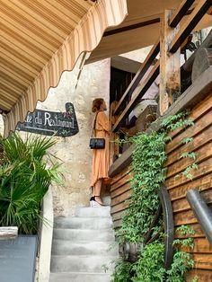 #Restaurant #dinner #dress #orange #bag #summer Orange Bag, Pergola, Around The Worlds, Outdoor Structures, Restaurant, Dinner, Summer, Dress, Inspiration