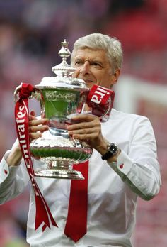 Arsene Wenger and his 7th FA Cup. Arsenal 2-1 Chelsea (May 2017)