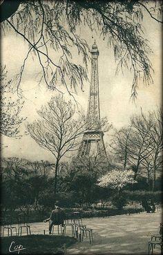 """Paris 1930 """"Jardin du Champ-de-Mars & Tour-Eiffel"""""""