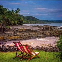 Montezuma Beach, Puntarenas, Costa Rica   Source: @crshuttles   Follow us   #boutiquehotel#travellife#outdoors#colorful#horizon#ecolodge#luxury#luxurylife#life#beautiful#instadaily#trip#summer#travel#travelingram#firstclasstravel#vacation#perfectday#nofilter#paddleboarding#peace#beachholiday#followme#love#wonderlust#boat#nature#ecotourism#surf#latinamerica