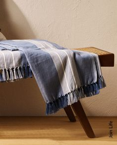 BAWEŁNIANY KOC W PASKI Zara Home España, Cotton Blankets, Outdoor Cushions, Ottoman, Bed, Furniture, Home Decor, Crop Rotation, Bed Covers