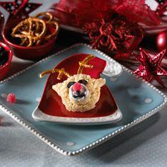 Red-Nosed Reindeer Rice Krispie Treats, Rice Krispies, Christmas Desserts, Christmas Foods, Christmas Fun, Christmas Drinks, Christmas Kitchen, Holiday Foods, Christmas Treats