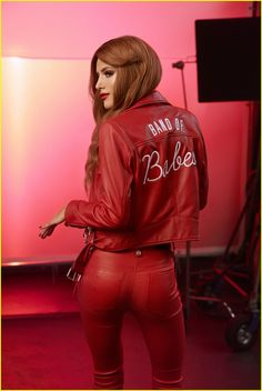 bella thorne buxom brand campaign 01