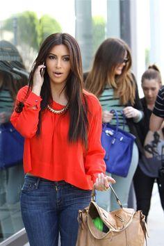 Kim Kardashian Loose Blouse - Kim Kardashian Looks - StyleBistro Look Kim Kardashian, Estilo Kardashian, Kardashian Fashion, Look Fashion, Autumn Fashion, Fashion Outfits, Womens Fashion, Kim K Style, Mode Style