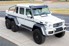 Mercedes-Benz AMG Bound for Barrett-Jackson Scottsdale - MotorTrend Mercedes G Wagon, Mercedes G Class, Mercedes Benz Trucks, 6x6 Truck, Lexus Lfa, Mercedez Benz, Futuristic Cars, Futuristic Vehicles, Barrett Jackson Auction