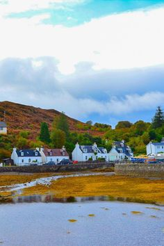 Planning a trip to Isle Of Skye and looking for some Isle Of Skye Travel Tips? Find everything to know about planning the perfect Isle Of Skye Trip with this ultimate Isle Of Skye Travel Guide. Scotland Travel Guide, Scotland Road Trip, Scotland Vacation, Europe Travel Guide, Travel Destinations, Isle Of Skye Tour, European Travel Tips, Globe Travel, Travel Books