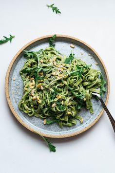 36 Best Ideas For Pasta Pesto Vegan Healthy Pesto Sauce For Pasta, Pesto Pasta Recipes, Pesto Recipe, Vegan Pasta, Healthy Pesto, Healthy Food, Healthy Eating, Kale Pesto, Vegetarian Recipes