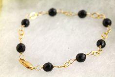 Azabache/Jet Bracelet. Listing 261438728 by Ptcreationsjewelry