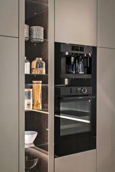 Modern Kitchen Interiors, Luxury Kitchen Design, Kitchen Room Design, Modern Kitchen Cabinets, Interior Design Kitchen, Home Decor Kitchen, Home Kitchens, Interior Ideas, Cabinet Door Styles