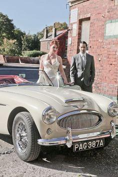 24 Chic And Trendy Retro Car Ideas For Your Wedding  #retro; #weddings; #weddingplanning