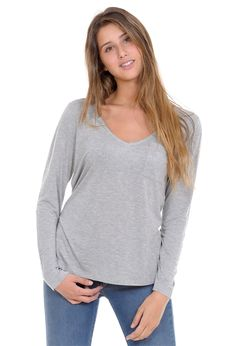 Camiseta bolsillo parche gris