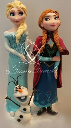 - Fondant figure of Elsa and Ana(Disney Frozen Cake)