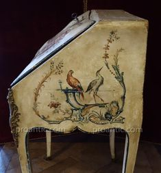French Furniture, Painted Furniture, Furniture Ideas, Upcycle, Vintage World Maps, Upcycling Ideas, Italy, Display, Desks