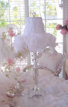 Romantic shabby cottage white roses and crystal chic lamp. Shabby Chic Bedrooms, Shabby Chic Cottage, Shabby Chic Homes, Shabby Chic Furniture, Romantic Bedrooms, White Cottage, Small Bedrooms, Guest Bedrooms, Cottage Style