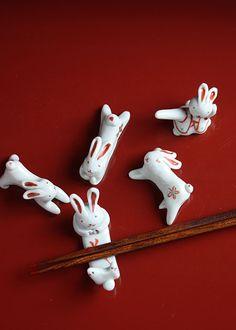 Rabbit Hashioki ( chopstick rest) by TADA Toshiko, Japan Japanese Colors, Japanese Design, Japanese Art, Chopstick Holder, Chopstick Rest, Sushi Comida, Japanese Chopsticks, Pie Bird, Year Of The Rabbit