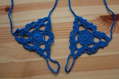 Barefoot Sandals   •  Free tutorial with pictures on how to make a sandal / flip flop in under 120 minutes