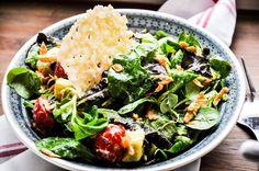 Salat mit Tahin-Zitronendressing