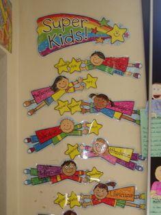 takenbord Kindergarten Classroom Setup, Superhero Classroom Theme, Classroom Helpers, Toddler Classroom, Preschool Learning, Classroom Themes, Classroom Organization, Preschool Crafts, Superhero Ideas