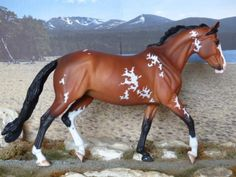 CM CUSTOM TRADITIONAL BREYER VALENTINE PAINTED TO A BRIGHT BAY PAINT by Deb Brown, UK .. £86 ... (2016/12/08)