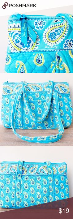 ❗️Last chance❗️Vera Bradley Tote in Bermuda Blue This Vera Bradley tote is in good used condition but has some signs of wear. The last picture shows some issues with the seam on the strap, that could probably be fixed - but I didn't even notice it until inspecting before selling. :) Vera Bradley Bags Totes