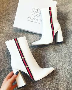 46 All About Shoes Trending Now - Women Shoes Trends Cute Shoes, Women's Shoes, Me Too Shoes, Shoe Boots, Shoes Sneakers, Footwear Shoes, Sneaker Heels, Fall Shoes, Ankle Boots