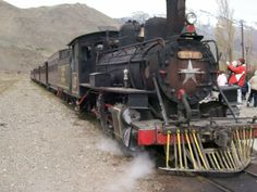 TROCHITA,en Nahuel Pan durante su parada.Tren a vapor,con los vagones como eran originalmente. Esquel Chubut. Train, World, Countries, I Love, Places