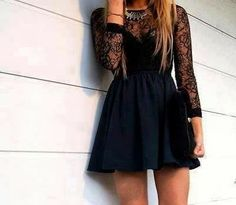 How to Chic: BLACK LACE DRESS