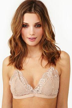Delilah Lace Bralette in Nude
