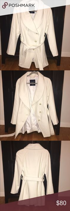 SMALL American Eagle Peacoat This peacoat doesn't have tags attached, but was NEVER worn. It is in brand new condition and just sitting in my closet. It has no stains or rips. American Eagle Outfitters Jackets & Coats Pea Coats