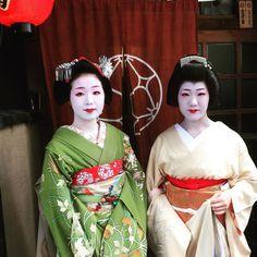 Oiran & Geisha   The maiko Tomitsuyu with her sister the geiko...