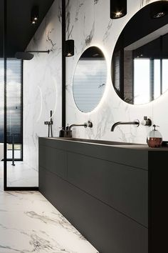 Modern bathroom inspiration with marble, round mirrors and black and white - Chic, this beautiful bathroom inspiration with marble, black taps and a large black bathroom furnit - Marble Tile Bathroom, White Vanity Bathroom, Bathroom Black, Black Bath, Bathroom Fixtures, Marble Wall, Marble Tiles, Bathroom Doors, White Marble