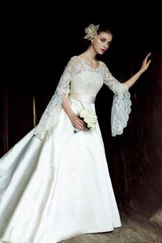 オルガンザのドレス
