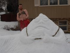 Leia & Jabba - nice one. =) Bonus points for going out in the snow!