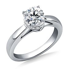 Love this engagement ring setting!! This might be the one!!!