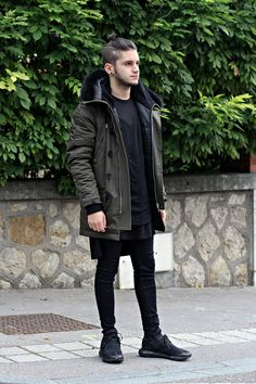 Streetstyle Inspiration for Men! Streetwear Mode, Streetwear Fashion, Dark Fashion, Winter Fashion, Street Fashion, Street Look, Street Wear, Fashion Tips For Women, Mens Fashion