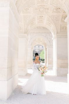 Vibrant Modern Bridal Inspiration in Paris Couture Wedding Gowns, Wedding Dresses, Royal Brides, Crown Hairstyles, Wedding Looks, On Your Wedding Day, Beautiful Bride, Parisian, Wedding Styles
