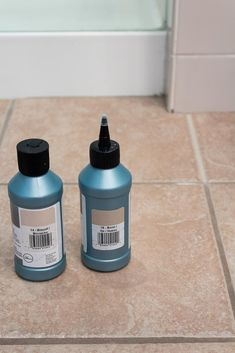 Make your tiled floor look brand new again! This tutorial has the easiest tips and tricks to paint your tile grout with just a few simple steps. Avoid the hassle of cleaning your dirty grout lines and find the best paint products to freshen up your grout. Grout Paint, Sanded Grout, Tile Grout, Grout Repair, Garage Stairs, Easy Tile, Painting Tile Floors, Kitchen Sponge