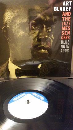El 30 de octubre de 1958, en los estudios de Rudy Van Gelder en Hackenshack, New Jersey, el productor Alfred Lion reunió a Art Blakey y sus mensajeros del Jazz (Lee Morgan a la trompeta, Benny Golson al saxo tenor, Bobby Timmons al piano y Jymie Merritt al bajo) para grabar Moanin', uno de los grandes álbumes del jazz de todos los tiempos